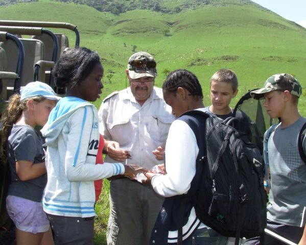 (from left): Bianca van Aarde, Rejoyce Mdhlovu, Louis Loock (Mpumalanga Tourism and Parks Agency), Vutomi Mnisi, Theo Loock and Adriaan van Aarde taking stock of the butterfly catch of the day.